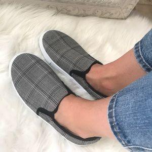 Shoes - 🆕 Black & Gray Plaid Soft Feel Slip On Sneaker